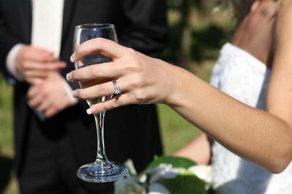 O czym należy pamiętać przed organizacją wesela