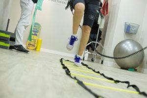 rehabilitacja za pomocą elektrostymulacji