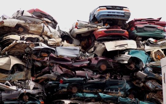 Na czym polega auto złom pojazdów?