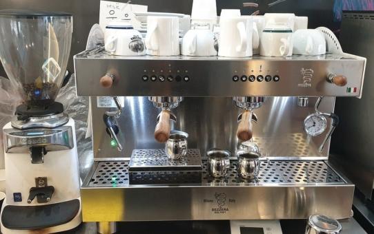 Wypożyczenie ekspresu do kawy – kiedy się opłaca?